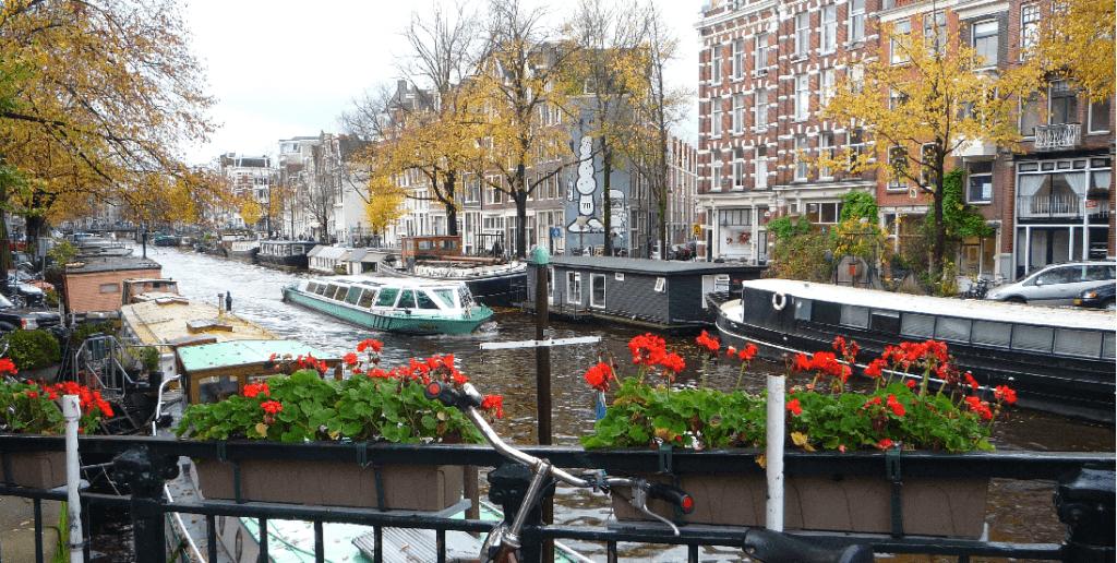 Lojas no Jordaan em Amsterdã