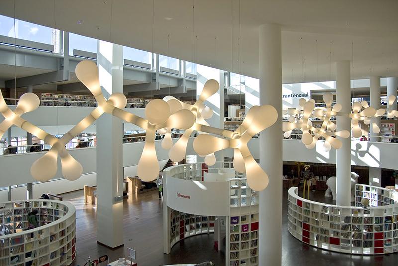 Ir com as crianças na Biblioteca de Amsterdã