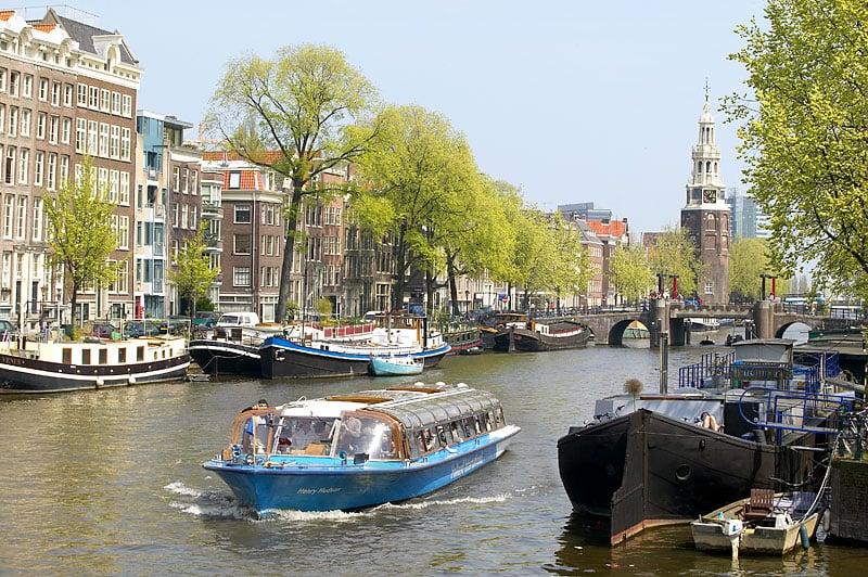 Passeios de barco pelos canais em Amsterdã